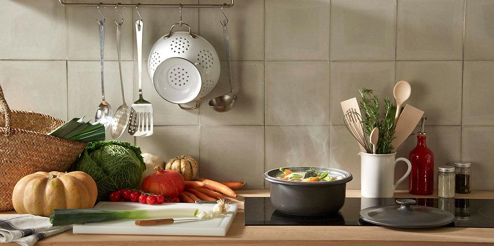 2015-Cookware-1850-HD-Stewpot-02.jpg
