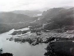 Tullah Village and Lake Macintosh