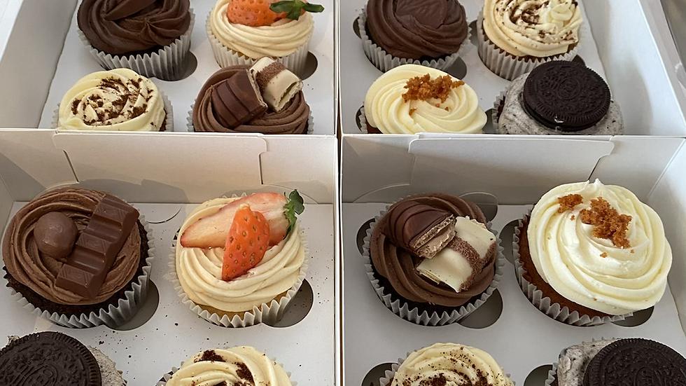 Mixed cupcake box x6
