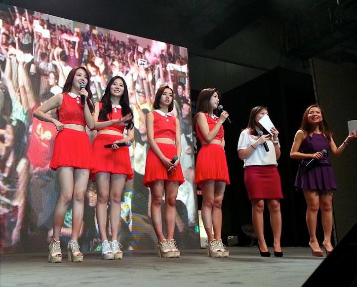 Evelyn Kuek- Girls' Day Fan Meet.png