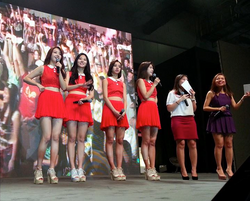 Evelyn Kuek- Girls' Day Fan Meet.png