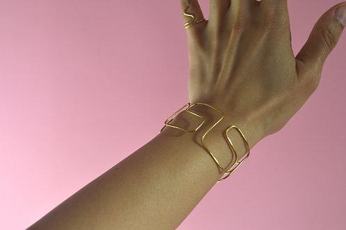 The Ahnii bracelet