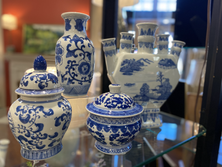 blue-decor-vase