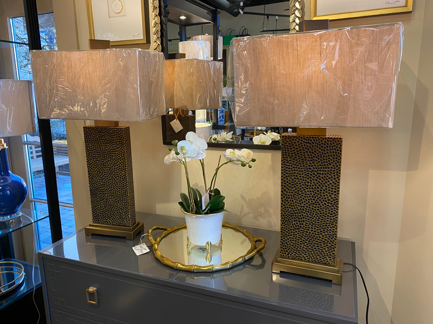 lamps-console-table-decor