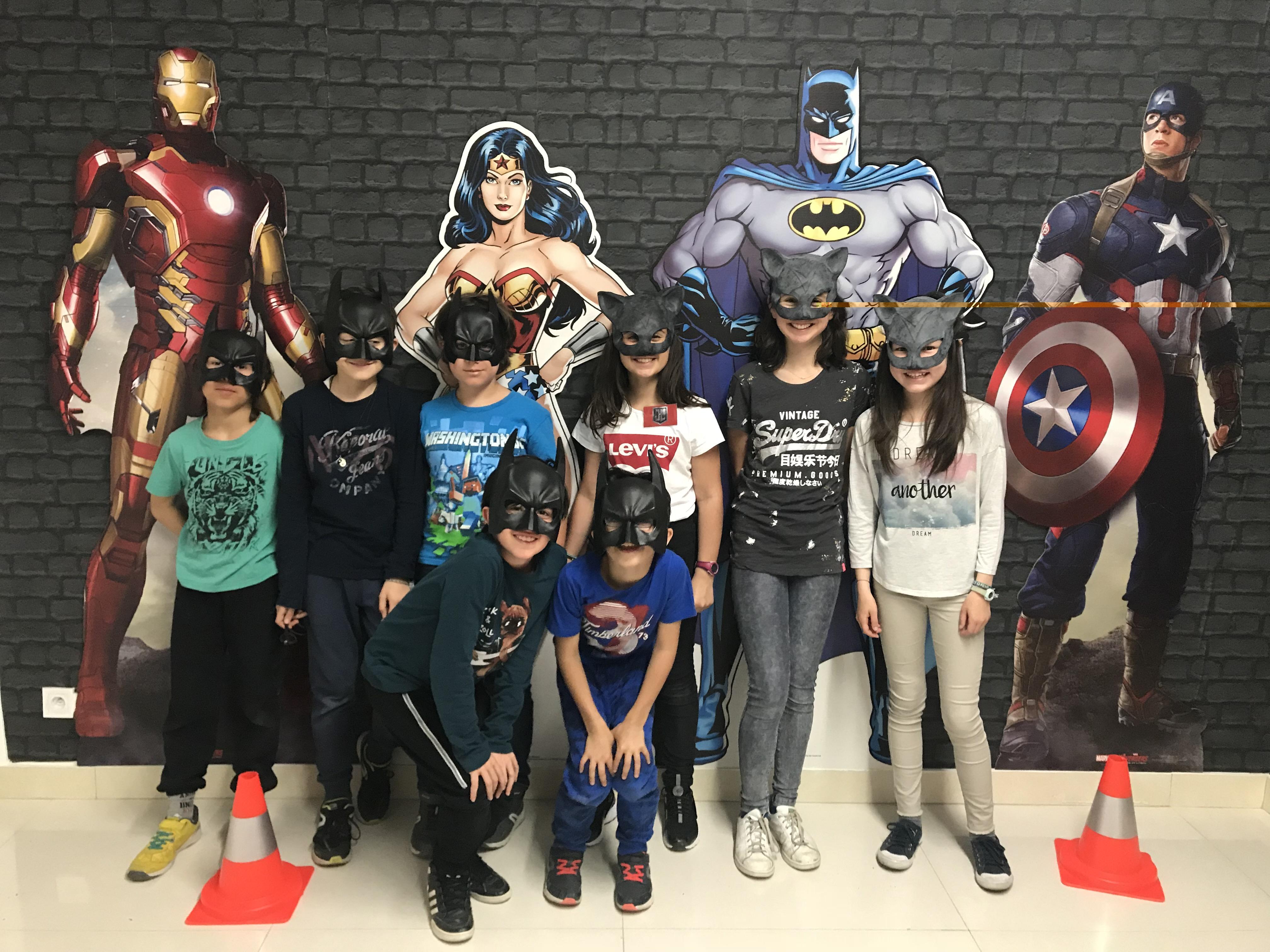 silhouettes super-héros