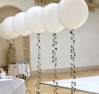 Ivy Tail Balloon Backdrop