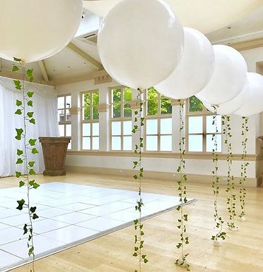 Large Balloons with Ivy Tail