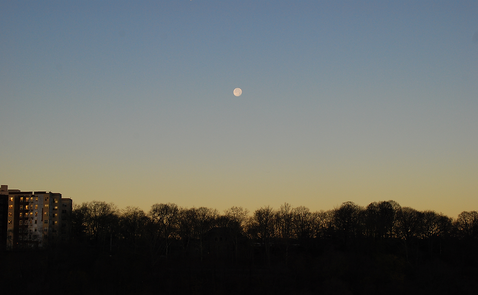 Moon Inwood Sunrise.png
