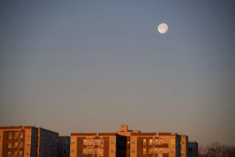 White Partial Moon Inwood.png