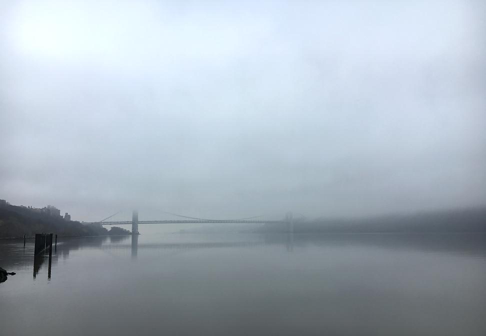 GW Bringe Hudson River FOG.png