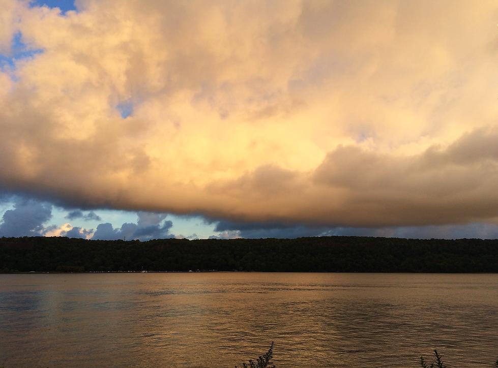Sunrise CLOUDSCAPE Hudson River.png