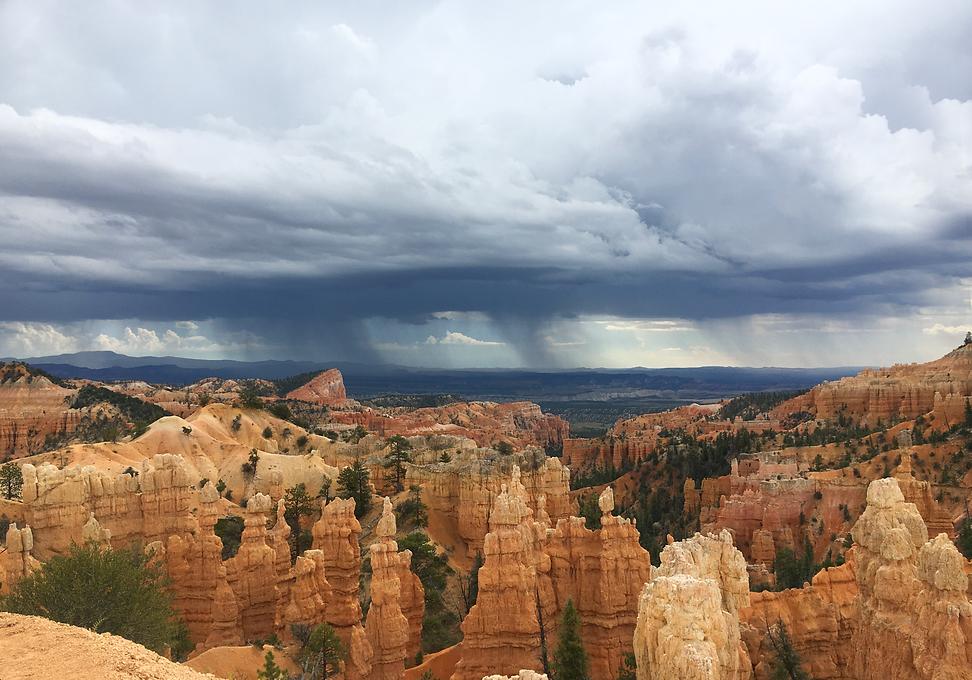 Rain Storm BRYCE Canyon National Park.pn