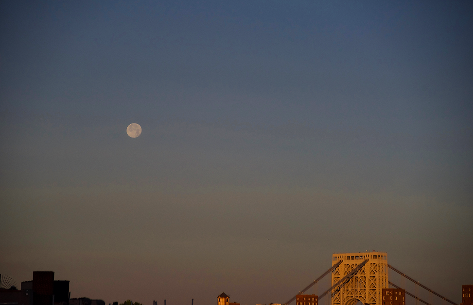 MOON + GW Bridge SUNSET2.png