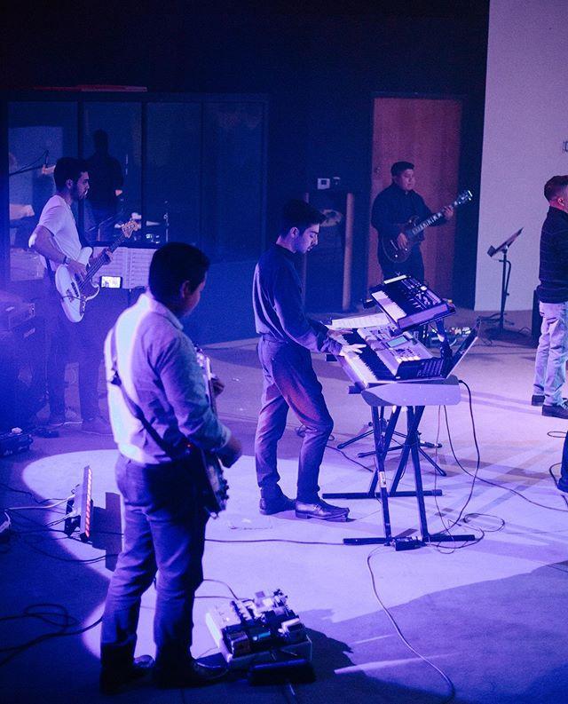No somos músicos, somos adoradores.jpg