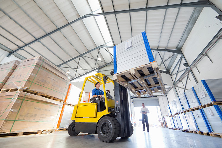 Banner Image of forklift to represent the material handling segment of Reliable Autotech