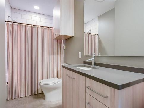 1st Floor - Bath.jpg