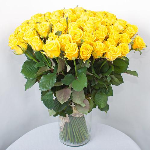 100 Premium Yellow Roses In Vase Special Price Roses Bouquets