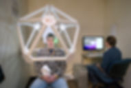 Magne EEG geodesic and computer.jpg