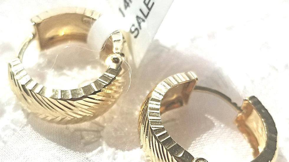 14 k Gold earring