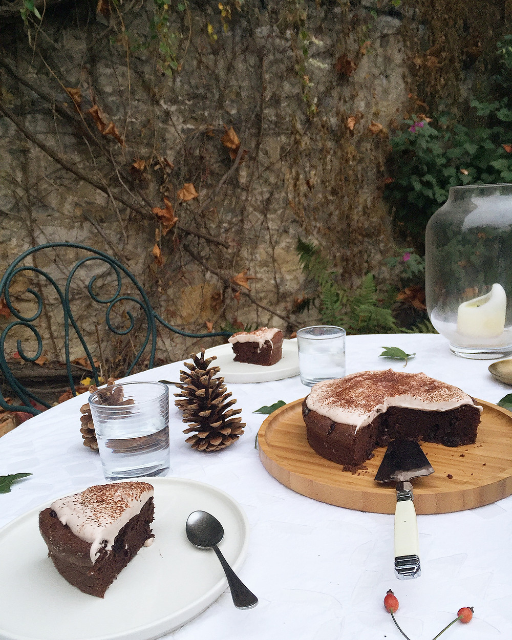 chocolate and cranberries cake, mulled wine whipped cream