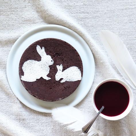 sugar free and flourless chocolate cake, raspberry and red wine sauce