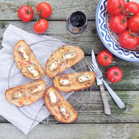 tomato, basil and goat cheese bruschettas