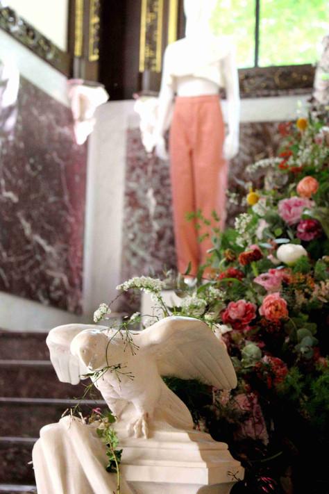 fashion and flowers in paris (de la mode et des fleurs à paris)