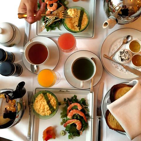 eating our way through paris (manger paris à pleines dents)!