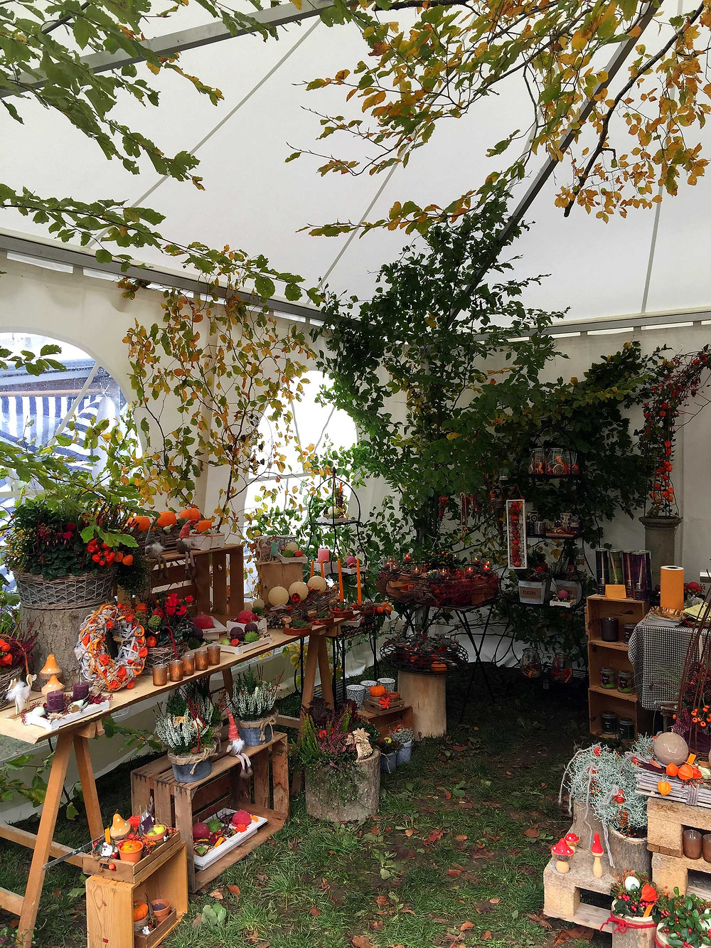 autumn fair and cow bell market romainmotier