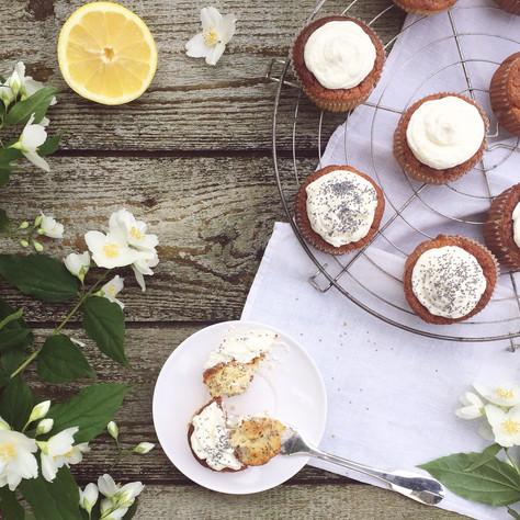 lemon, olive oil, honey and poppy seeds cupcakes