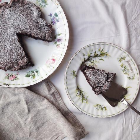 flourless chocolate and port cake