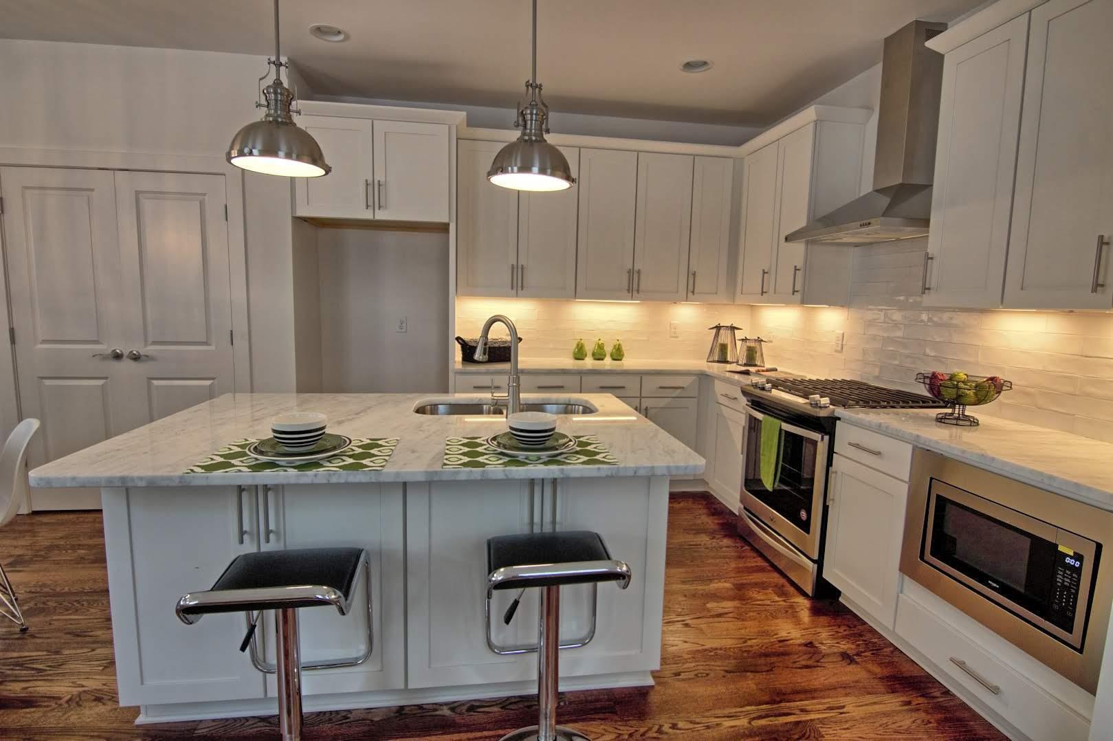 5602 B NY Kitchen.jpg