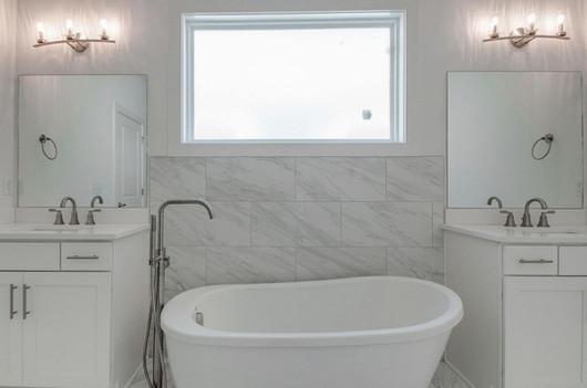 5405 A LA bathtub.jpg