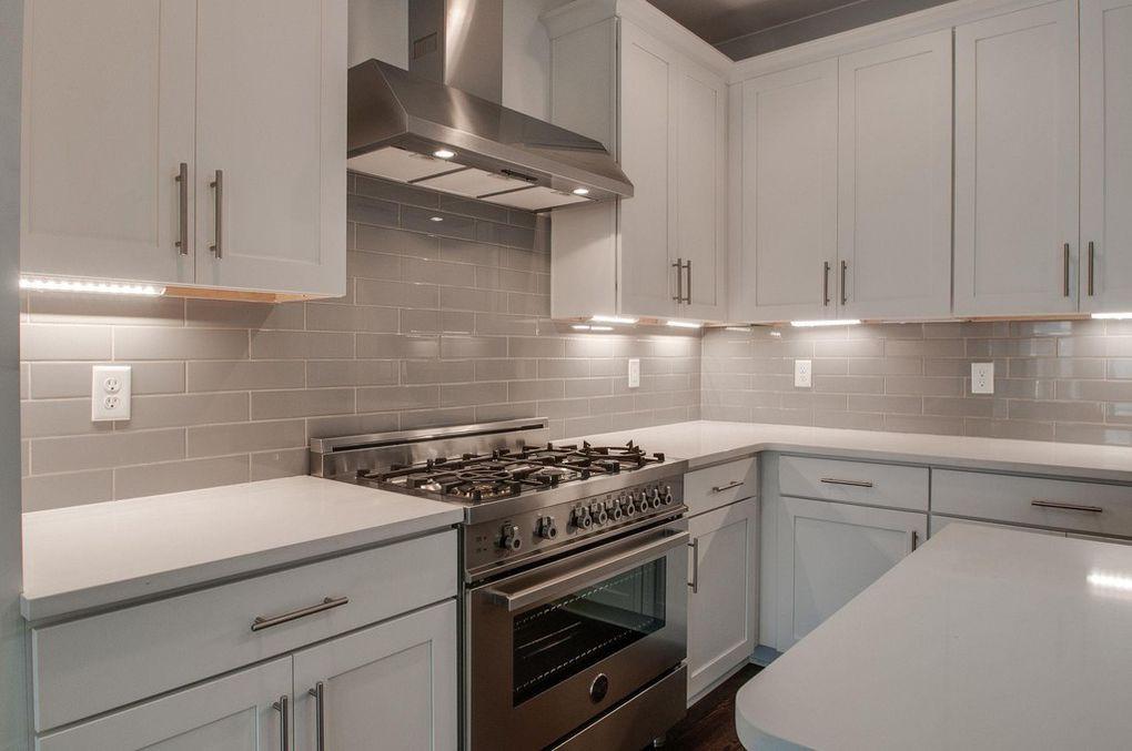 5405 A LA kitchen.jpg