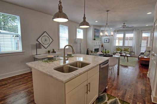 5602 B NY kitchen, dining, living room.j