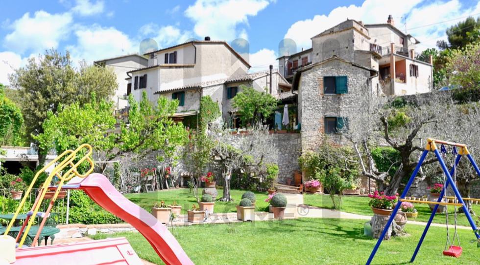 Casale in Vendita in Umbria