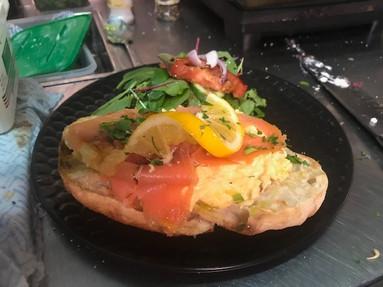scrambled eggs w samon.jpg