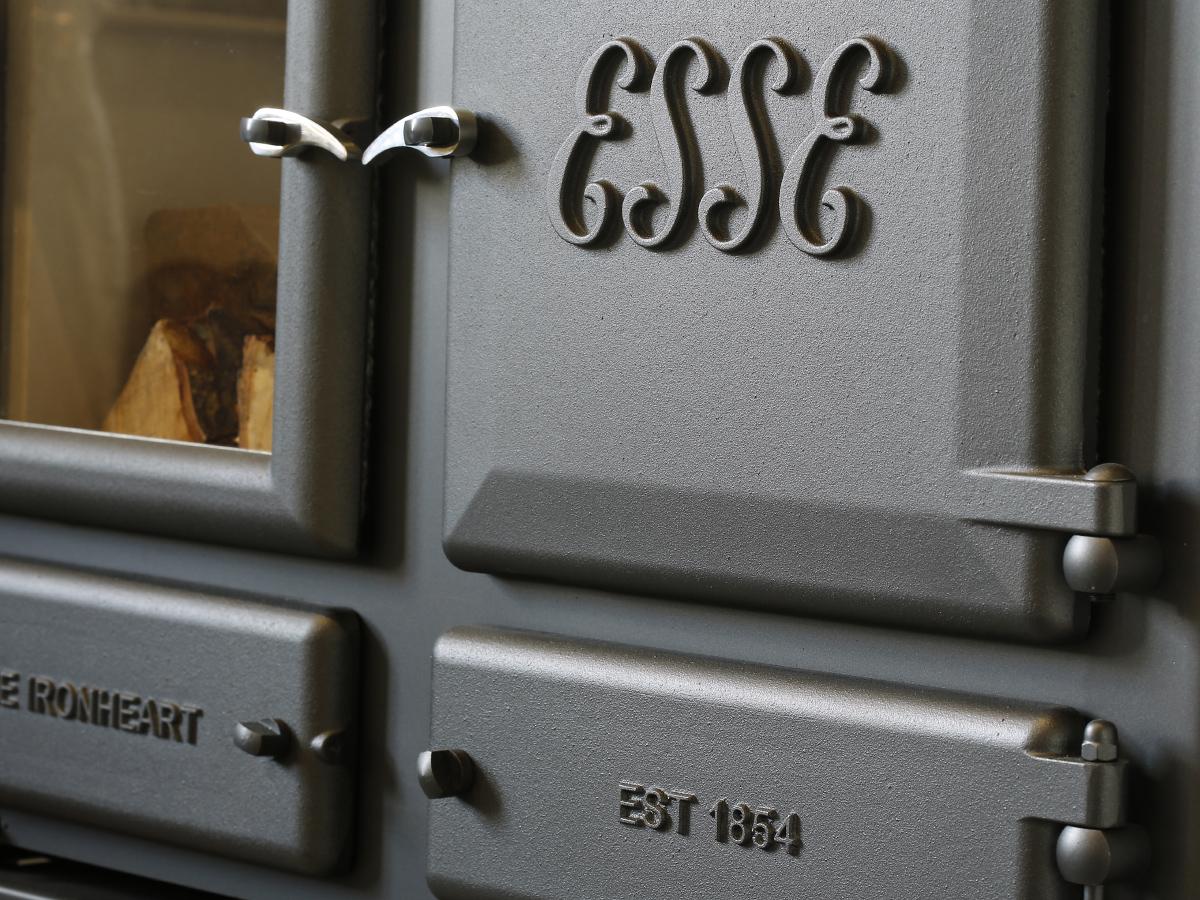 ESSE-IRONHEART-Door-Detail