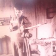 Enfant à l'atelier à Membrey