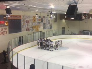 Loyola Men's Hockey Off to a Great Start