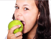 woman eating apple BBDiet.png