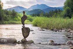 Balancing stones-Balansiranje kamnov