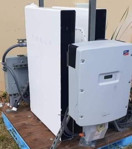 Portable Electric Tesla Powerwall Backup