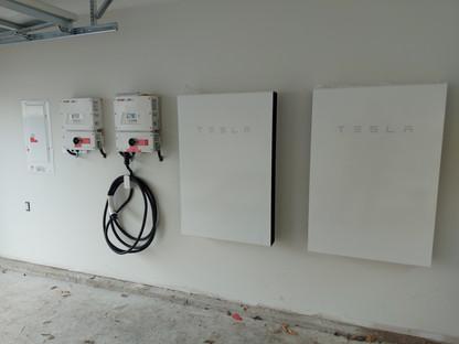 Tesla Powerwall Solaredge EVcharger- Eas