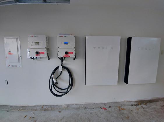 Solaredge EVcharger solar inverter, Tesl