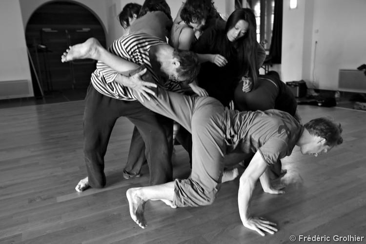Lab 18h 12   LIV CHANG - peinture et danse