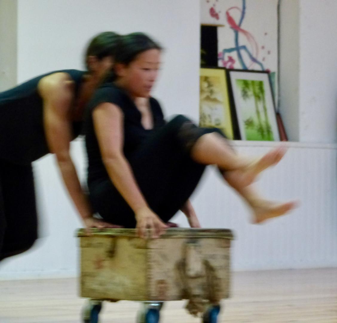 Atelier d'impro 5   LIV CHANG - peinture et danse