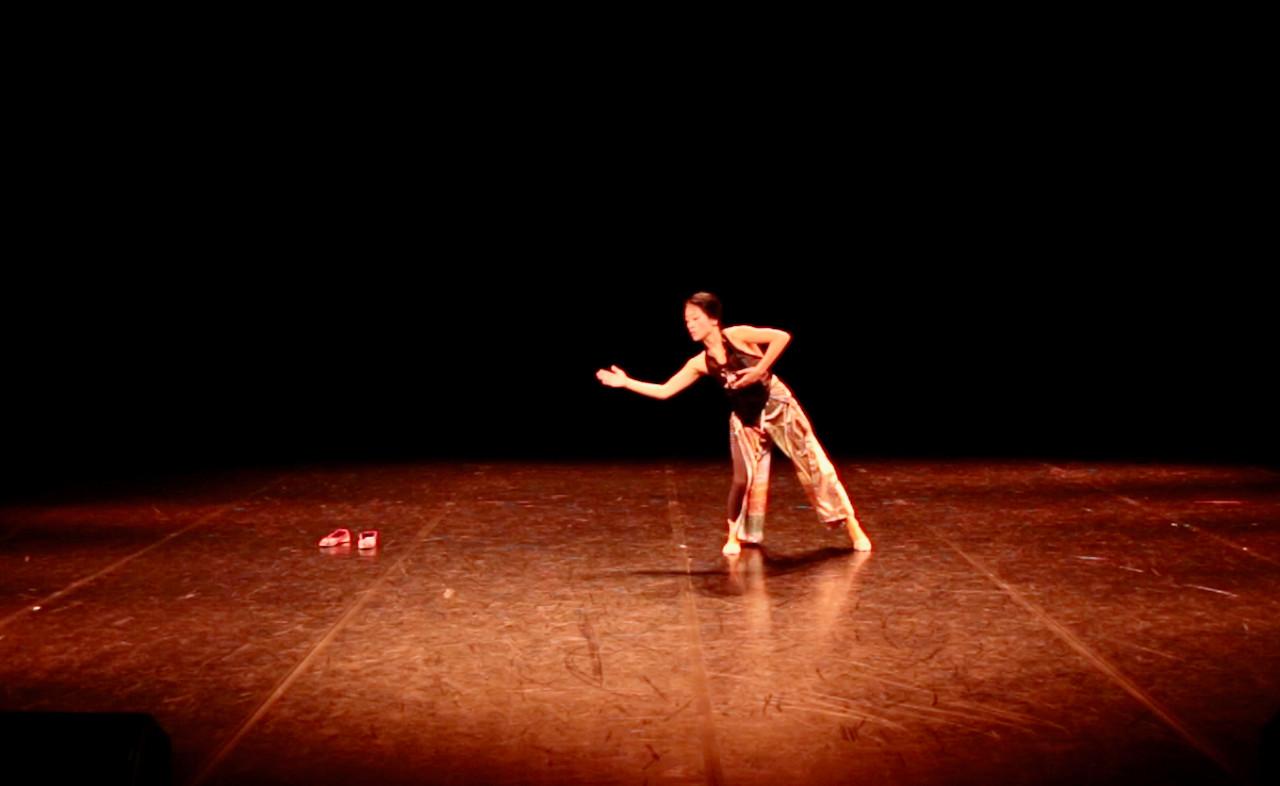 In & Out 1   LIV CHANG - peinture et danse