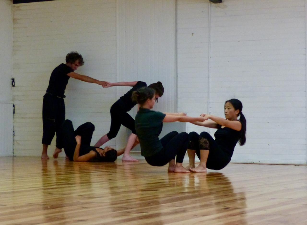 Atelier d'impro 3   LIV CHANG - peinture et danse