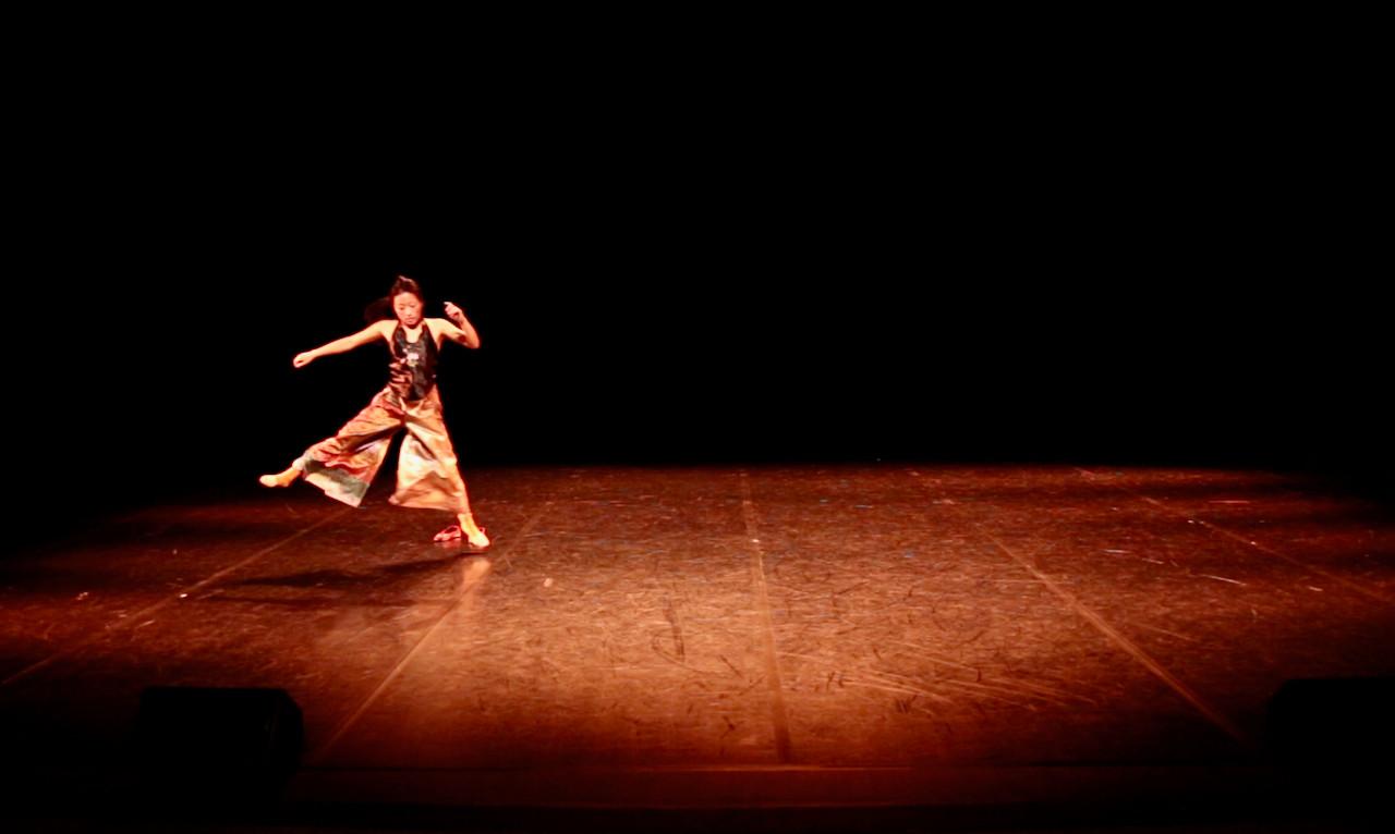 In & Out 3   LIV CHANG - peinture et danse